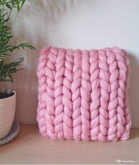 MrBulky poduszka ozdobna z czesanki - pudrowy róż