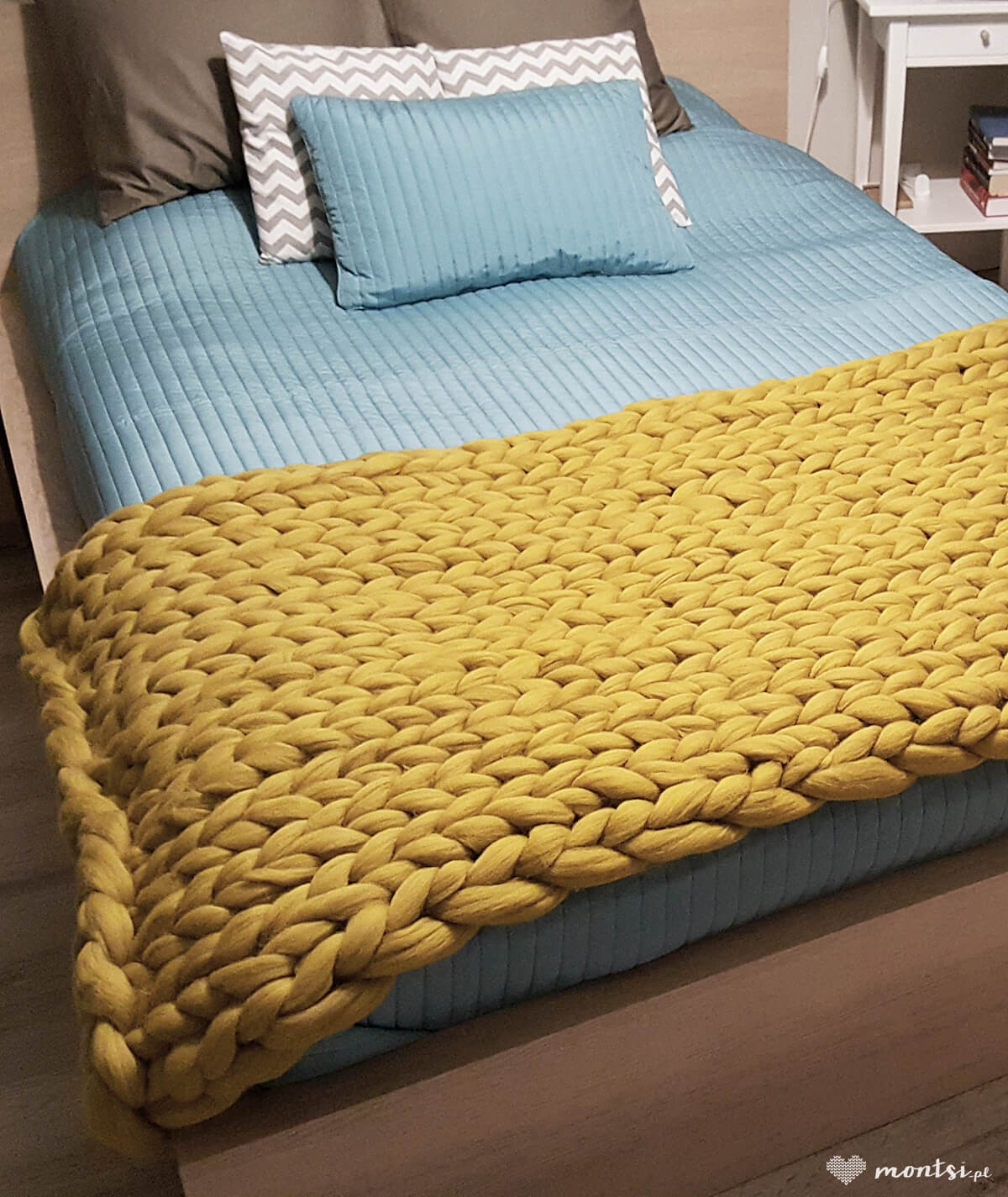 MrBulky koc z wełny czesankowej - kolor żółta tabaka